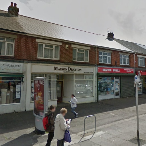 Maison Drayton salon (from Google Street View).